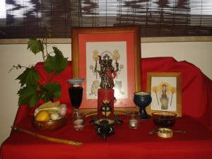 Altar for a devotional rite, by CoH devotee Rabenzahl (Germany)