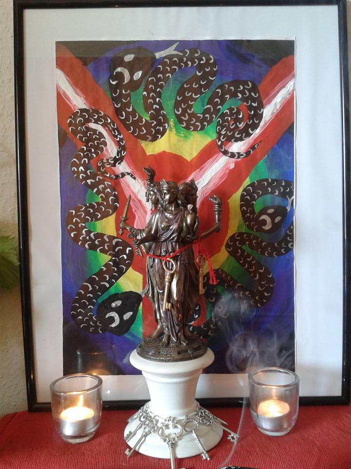 Devotional Shrine, by CoH devotee Rabenzahl (Germany)