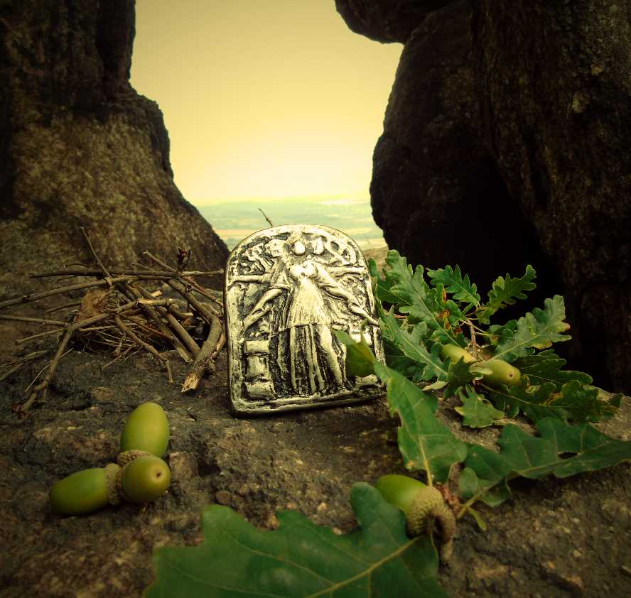 Hekate Icon - Bulgaria / Thrace for the Sanctuary of Hekate Kleidouchos